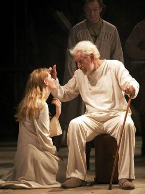 King-Lear-as-Cordelia-romola-garai-6878978-300-400